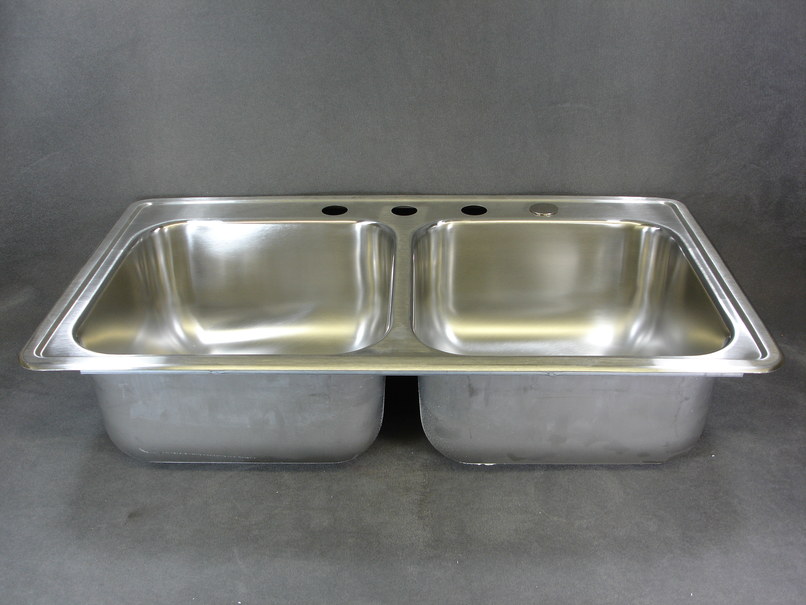 Exceptionnel 33 X 19 STAINLESS STEEL SINK